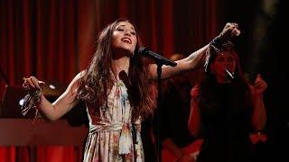 Download Singer Lauren Daigle Makes Her Ellen Debut Video