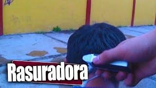 Download Cortando el cabello a las personas | Broma pesada en la calle | Prankedy Video
