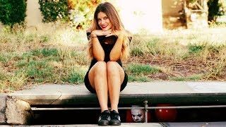 Download Dating the IT Clown | Hannah Stocking Video