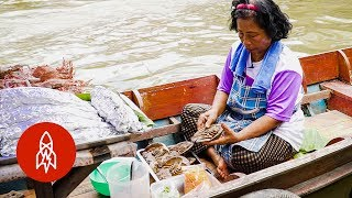 Download Thailand's Floating Markets Serve Up a Feast on the Water Video