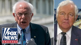 Download Sanders unveils proposal to tax Wall Street to erase student loan debt, make college free Video