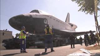 Download Space Shuttle Endeavour Traveling Through the Streets of Los Angeles Video