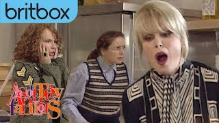 Download Patsy Breaks Her Wrist Giving Eddie A Massage | Absolutely Fabulous Video