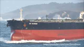 Download Crude Oil Tanker DS WARRIOR leaving A Coruña Video