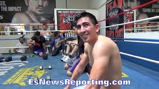 Download WHAT TATTOO WOULD HERBERT ACEVEDO GIVE LEO SANTA CRUZ - EsNews Boxing Video