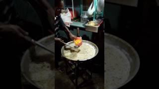 Download Mie rebus pinggir jalan yg beromset restauran Video