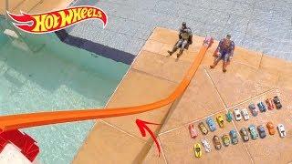 Download Hot Wheels Super Rampa Quem vai mais Longe - Carrinhos de Brinquedos Video