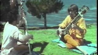Download Ravi Shankar teaches George Harrison how to play sitar 1968 (Rishikesh, India HQ RARE) Video