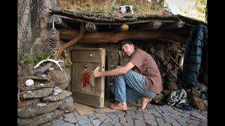 Download L'homme part vivre dans la forêt, il a bati un abri, mais ce qu'il y a à l'intérieur est incroyable! Video