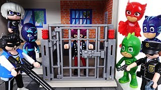Download Go! PJ Masks! Catch the villains who escaped from Playmobil police station! - DuDuPopTOY Video