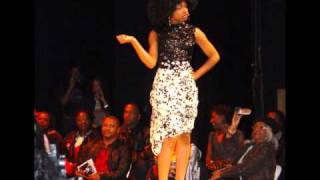 Download 70's fashion show Video