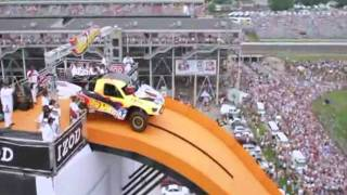 Download Record mundial de salto con coche Video