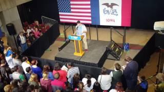 Download College speaker calls out Hillary Clinton at her own rally Video
