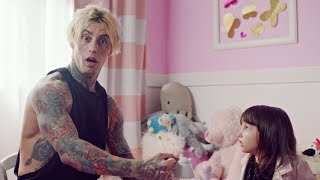 Download Falling In Reverse - ″Losing My Life″ Video