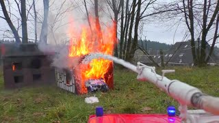 Download HEAVY HOUSE FIRE, BIG FIRE ON THE RC FARM, RC HEAVY HOUSE FIRE ! Video