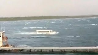Download Video of duck boat's final moments show it struggling to stay afloat Video