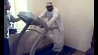 Download Arab Man on Treadmill.Very funny. Video