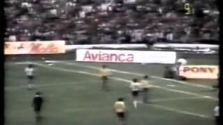 Download Maradona vs Colombia (Away) in 1986 World Cup Qualifier Video