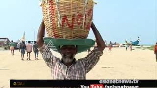 Download Middlemen loots Fisher Man | Asianet News Roving Reporter Video