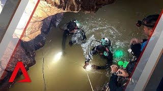 Download Thai cave rescue: How to get 12 Thai boys and their coach out of Tham Luang cave safely? Video