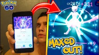 Download MAXING OUT NEW MEWTWO IN POKÉMON GO! HOW POWERFUL CAN THE LEGENDARY MEWTWO GET?! Video