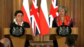 Download UK sends 150 troops to Poland Video
