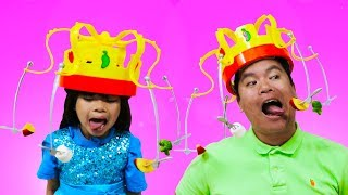 Download Emma Pretend Play CHOW CROWN Toy w Real Food Video