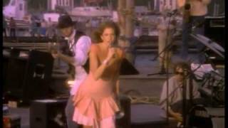 Download Carly Simon - Nobody Does It Better - The Spy Who Loved Me Video