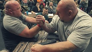 Download ARM WRESTLING FOR 1000$ Video