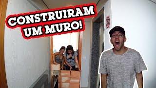 Download MINHA IRMÃ CONSTRUIU UM MURO NA MINHA PORTA! Video