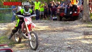 Download HONDA CR 250 HITS THE FAMOUS SHOWTIME HILL Video