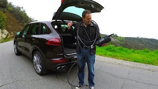 Download A Porsche with a plug!: 2017 Porsche Cayenne S E-Hybrid PHEV - TECH REVIEW (1 of 2) Video
