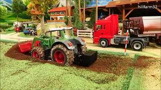 Download RC TOY TRACTORS working on the FARM - John Deere & Fendt Action Video