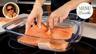 Download Łosoś z piekarnika - przepis jak upiec rybę aby jej nie wysuszyć. MENU Dorotki. Video