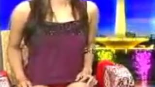 Download Presenter Indonesia Cantik Ini Keliatan Jelas Banget CD Celana Dalamnya Saat Persembahan TV Video