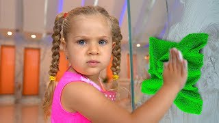 Download Diana helps Mommy! Kids Pretend Play with Cleaning Toys! Video