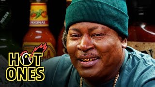 Download Trick Daddy Prays for Help While Eating Spicy Wings | Hot Ones Video