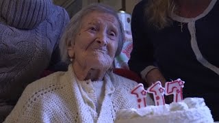 Download World's Oldest Person Turns 117 Crediting Raw Eggs and Steak To Longevity Video