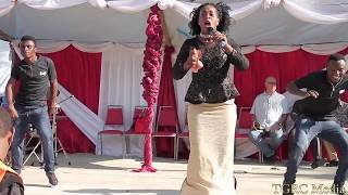 Download Martha Baraka Atua Mwanza na kuuwasha Moto wa hatari na kibao chake cha Tangu utoto Video