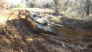 Download M1 Abrams Stuck in Mud / M1A1 OFF Roading Video