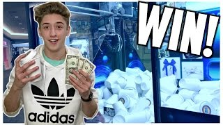 Download ★Winning MONEY From The Claw Machine Arcade Game!!! (NOT CLICKBAIT) Video