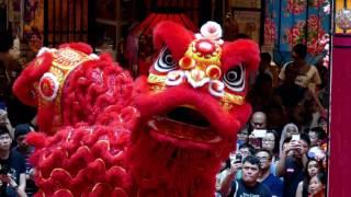 Download CNY2017 Acrobatic Lion Dance (múa lân 高樁舞獅 ) by Kwong Ngai @ Mid Valley (7/1/17) 4K UHD Video
