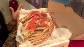 Download Seafood Mukbang- Snow Crab Legs [Smacking Noises, Messy Eating, Mommy & Daughter Eating Show] Video