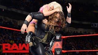 Download Alexa Bliss vs. Nia Jax - Raw Women's Championship Match: Raw, June 5, 2017 Video