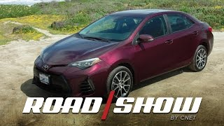 Download 2017 Toyota Corolla: The middle of the road gets a little nicer Video