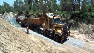 Download ROAD TRAIN FAIL ! ! Video