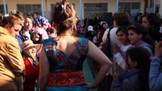 Download défiler de samia hennous à ben yanni le 08 mars apropos de la robe kabyle Video