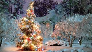 Download 🎄 Breathtaking Christmas Scene Snowfall Animation ~ 21 Songs! Video