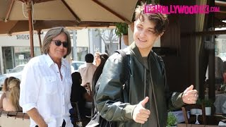 Download Anwar Hadid Is Congratulated On His Teen Vogue Cover At Il Pastaio With His Father Mohamed Hadid Video
