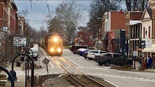 Download CSX Street Running! Trains Running Down The Middle Of The Street! Dangerous Railroad! Video